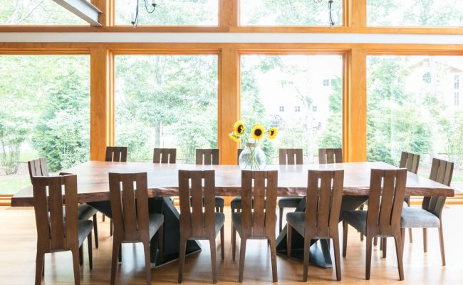 Guest_House_Dining_Table_Side